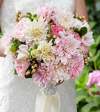 The FTD Heart's Promise Bouquet