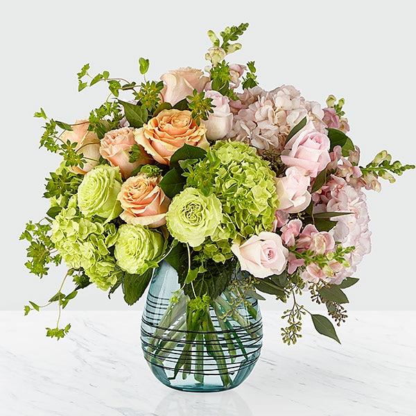 The Irreplaceable™ Luxury Bouquet | Judy\'s Village Flowers